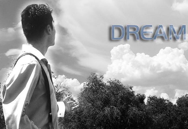 DREAM IT,